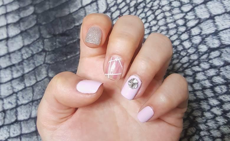 Ide Nail Art Simple