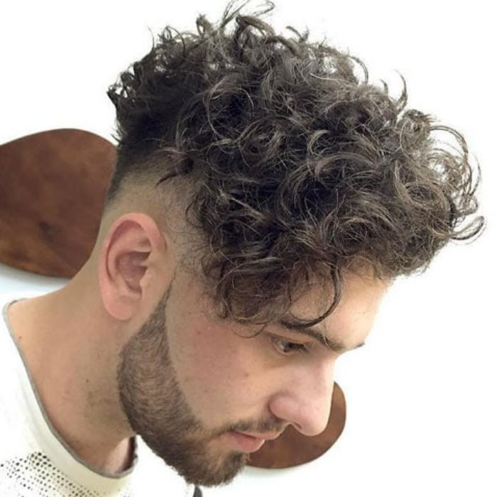 potongan rambut ikal pria