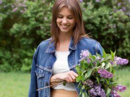 7 Model Jaket Jeans Wanita yang Sempurnakan Gaya