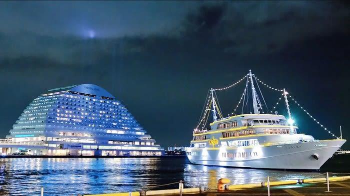 Romantic Deluxe Concerto Cruise in Kobe - Background