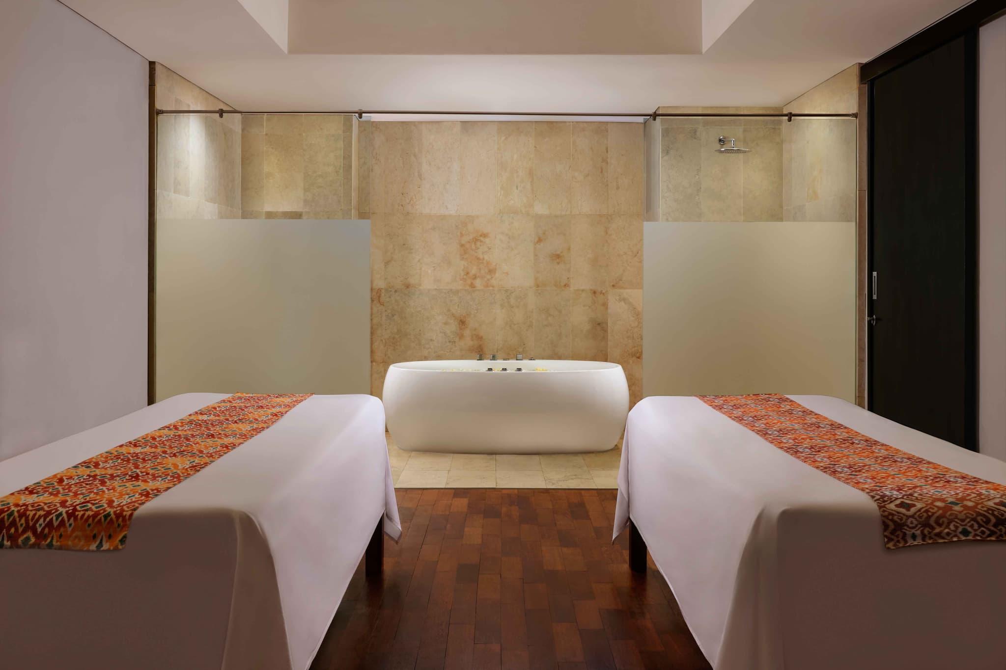 Spa Voucher Four Points by Sheraton Bali, Ungasan - Back and Stone Massage