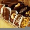 kurma coklat isi keju atau mede dgn varian toping