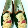 sepatu lukis winnie the pooh