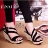 Sepatu Wanita No. 39 Wedges Hitam Yd 01