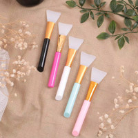Silicon Brush For Face Mask Kuas Trend Terbaru ( Random Colour ) thumbnail