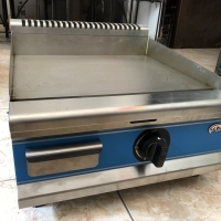 Gas gridle / gas flat griller