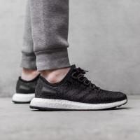 Jual Adidas Boost Black di Kab. Tangerang Harga Terbaru