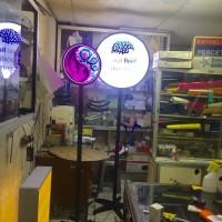 Neon box 40 cm bulat dan tiang