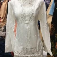 Blus/ top/ baju/ atasan putih bw remaja/abg putri bahan satin