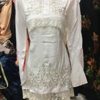 Blus/ baju/ top/ atasan putih bw renda untuk abg/ remaja bahan satin
