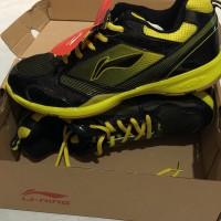 Sepatu badminton lining star plus