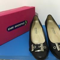 Sepatu wanita Dr. Kong