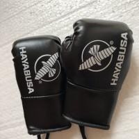 Hayabusa glove miniatur