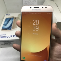 Samsung galaxy J7 pro Gold garansi sampai Desember 2018