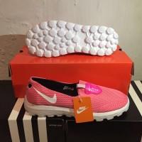Nike women pink