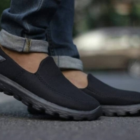 Sepatu Sketchers Go Walk Slip On Pria