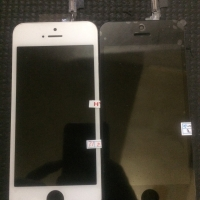 Lcd + touchscreene iphone 5S, warna hitam dan putih.