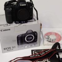 Canon 5D mark II sc9435 / 2 mint condition plus lensa 24-70 mm bekas
