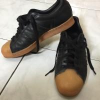 Jual Adidas superstar black gum sole
