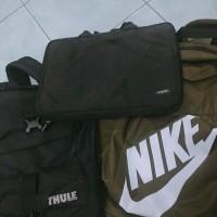Tas Nike,Thule dan tas laptop 13' merk Uniea