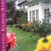 Buku : 'Rahasia Kebun Asri'