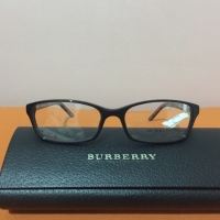 Kacamata ori burberry