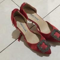 sepatu wanita merek manolo blahnik original ( size 42 )