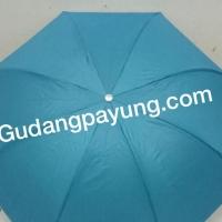 Payung Lipat 3 Biru Muda Rk. Balik polos Silver