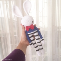 Boneka rajut bunny biru tua