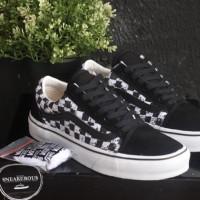 14c682d33c SEPATU Vans Old Skool X ( PEANUTS ) Snoopy   Checkerboard PREMIUM