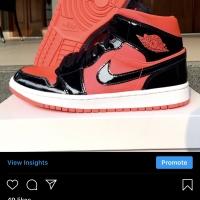 Nike Air Jordan 1 Mid Hot Punch