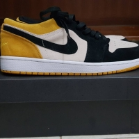 air jordan 1 low yellow toe