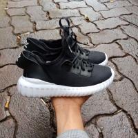 Sepatu Adidas tubular Tamhuz hitam untuk anak-anak