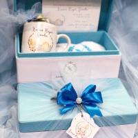 Hampers box tisseu full set isi (mug, handuk & roka)
