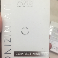 Caring Colour Compact Make Up