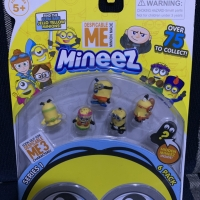 Pajangan Minion Minifigure Despicable Me Minion