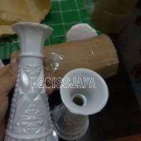 Vas bunga gading kecil