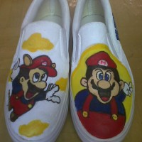 sepatu lukis Mario Bros