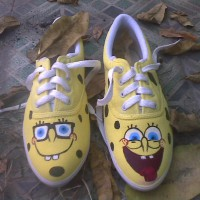 sepatu lukis spongebob yellow