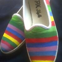 sepatu lukis rainbow jamaika
