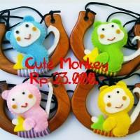 "Kalung handle kayu ""Cute Monkey"""