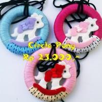 """Kalung Kayu+Flanel """"Circle Pony"""""""