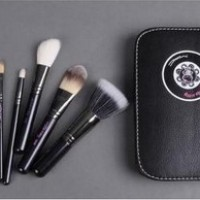 Hello Kitty Makeup Brush Set In High Quality Black Case... READY STOCK!!!