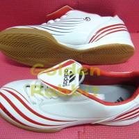 Sepatu Futsal Adidas F10 Sala White Red