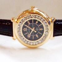 Jam Tangan Wanita Louis Vuitton Chanted Leather (Black Gold)