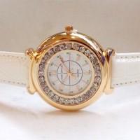 Jam Tangan Wanita Louis Vuitton Chanted Leather (White Gold)