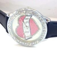 Jam Tangan Wanita Guess Love Diamond Rubber (Pink)