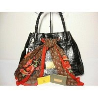 LV Syal Croco Black