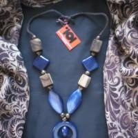 Kalung Bahan Alam Batu dan Kayu