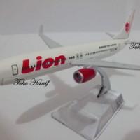 Diecast Miniatur Replika Pesawat Lion Air
